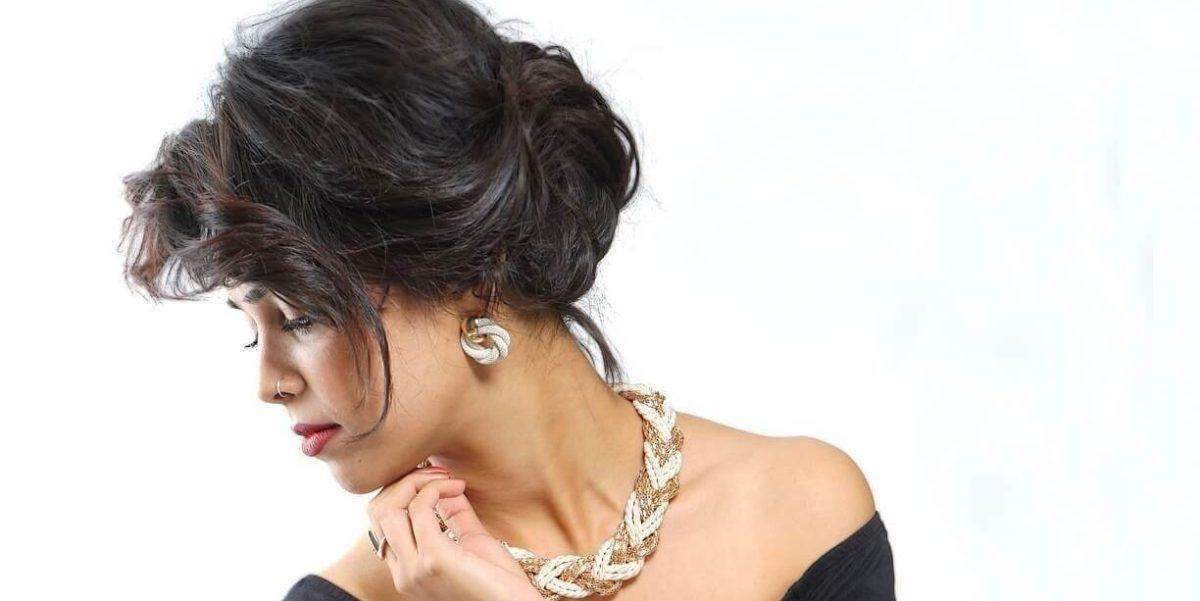 donna elegante gioielli torino