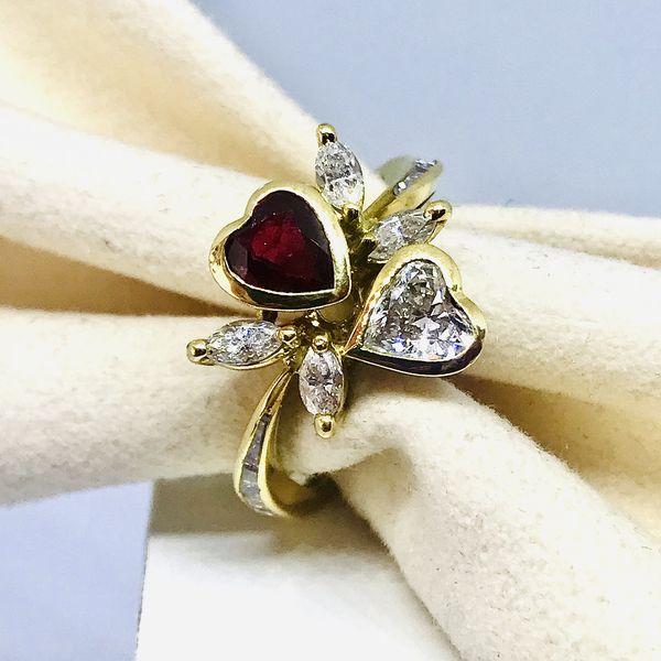 Anello con diamante e rubino a cuore ct 0,40
