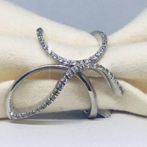 anello oro bianco e diaamnti intrecciato gioielli torino