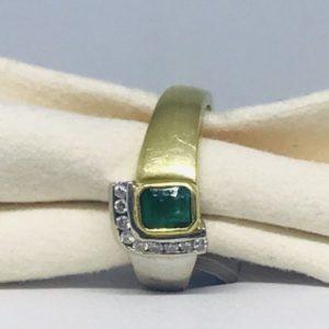 anello oro giallo con smeraldo e diamanti gioielli torino