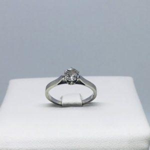 anello oro bianco con diamante centrale gioielli torino