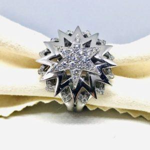 anello con composizione di diamanti a stella gioielli torino