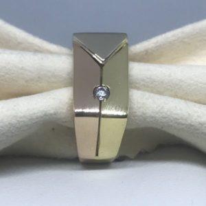 anello oro giallo con diamante incastonato gioielli torino