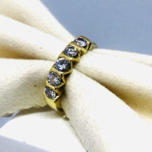 anello in oro giallo con 5 diamanti gioielli torino