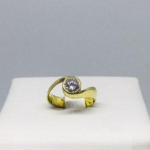 anello oro giallo con diamante gioielli torino