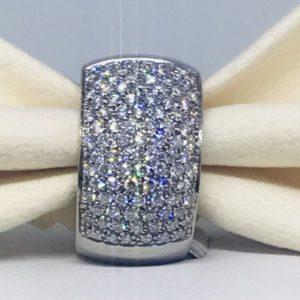 anello in oro bianco con diamanti piccoli gioielli torino