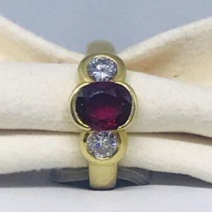 anello con rubino e diamanti gioielli torino