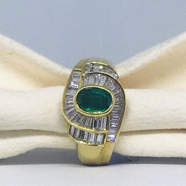 Anello con smeraldo ct 0,60 e diamanti ct 0,76
