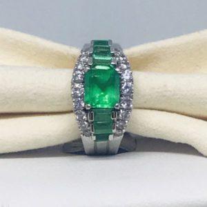 anello con smeraldo montatura oro bianco gioielli torino