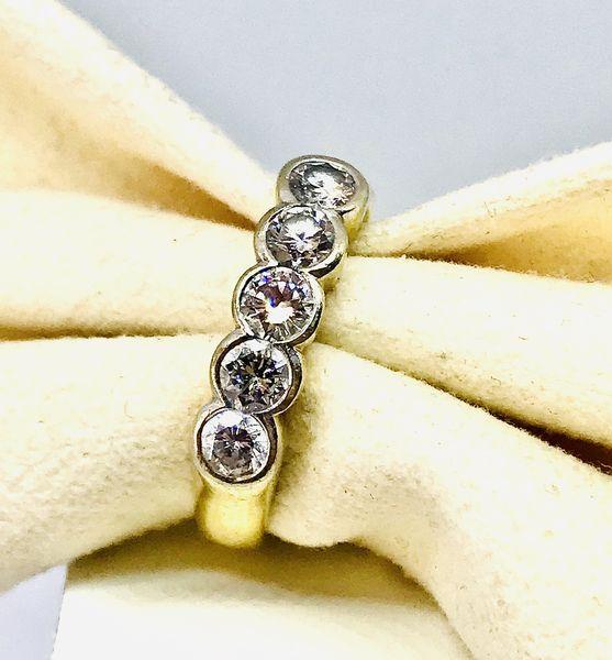 Anello mezza riviera con diamanti ct 1