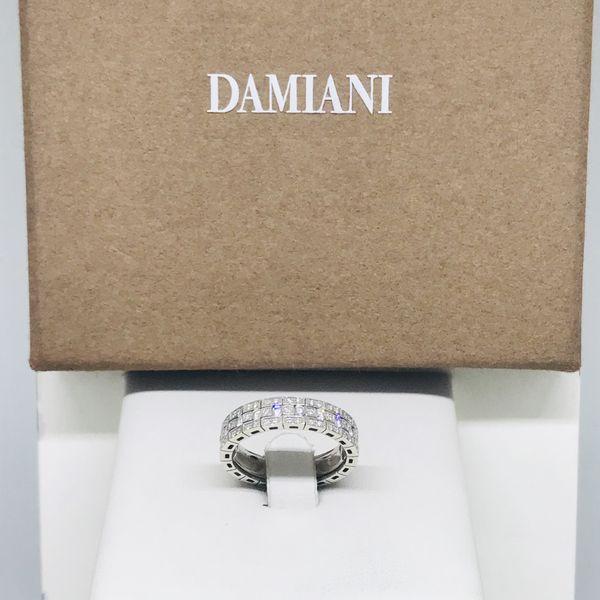 Anello Damiani modello riviera con diamanti