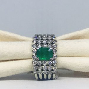 anello diamanti con smeraldo gioielli torino