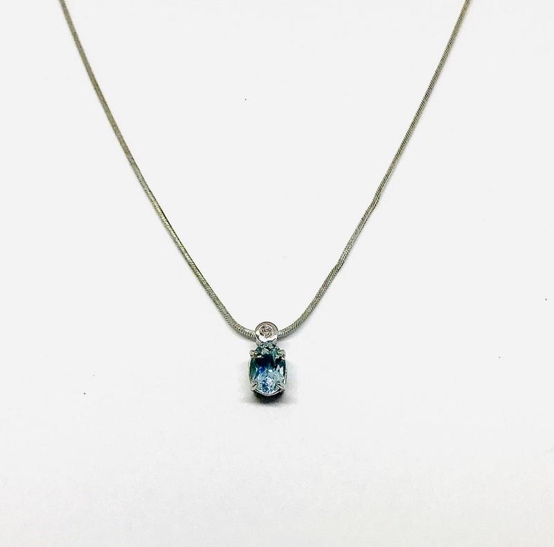 Collana con ciondolo acquamarina e diamante ct 0,01