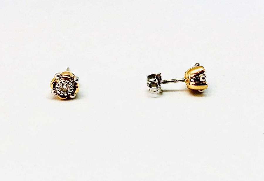 Orecchini oro giallo e bianco con diamanti carati 0,30