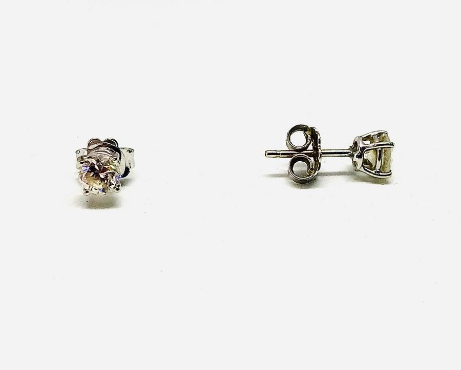 Orecchini con diamanti carati 1,10