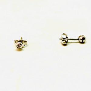 orecchini in oro con pietre