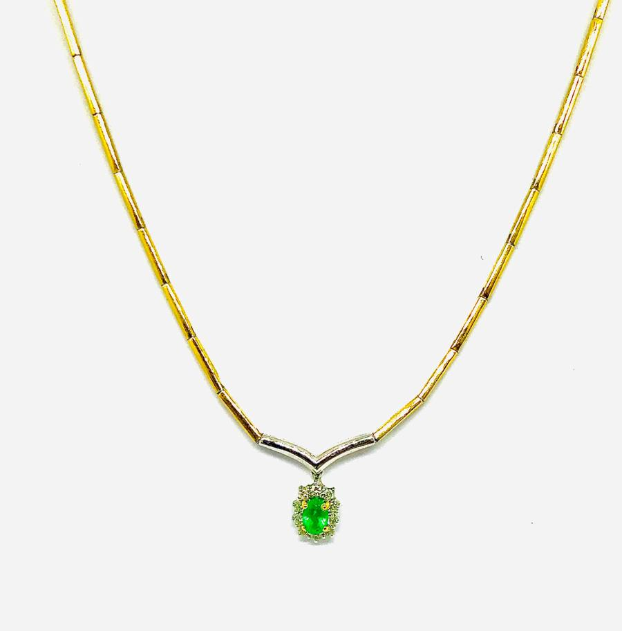 Collana semirigida con ciondolo smeraldo  e diamanti