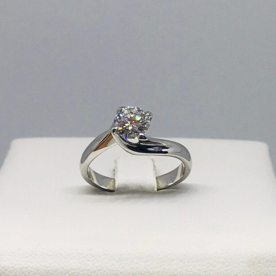 Anello con diamante carati 0,98