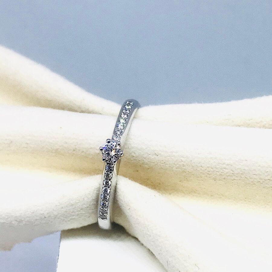 Anello con diamanti ct 0,20