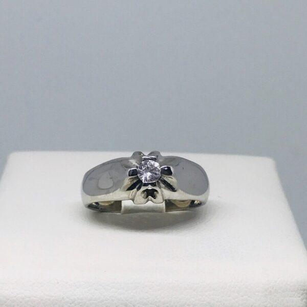 anello in oro bianco 18 carati con diamante. Offerte d'oro Gioielli Torino.