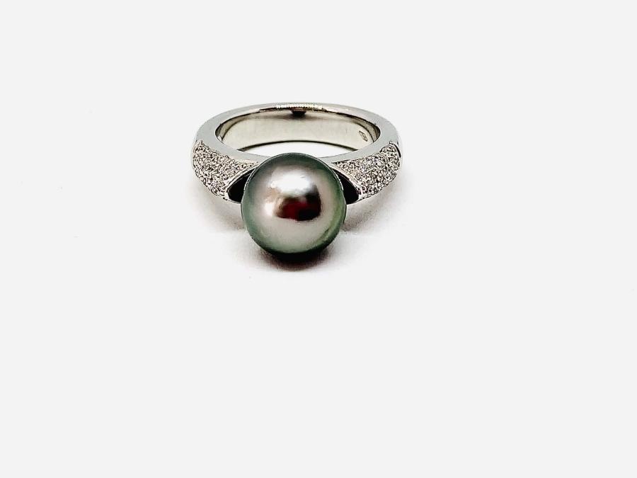 Anello con perla grigia Tahiti e diamanti ct 0,10