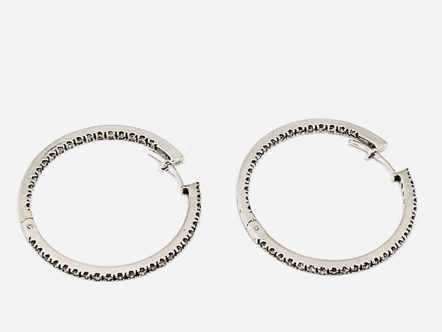 Orecchini a cerchio medio con diamanti carati 0,8